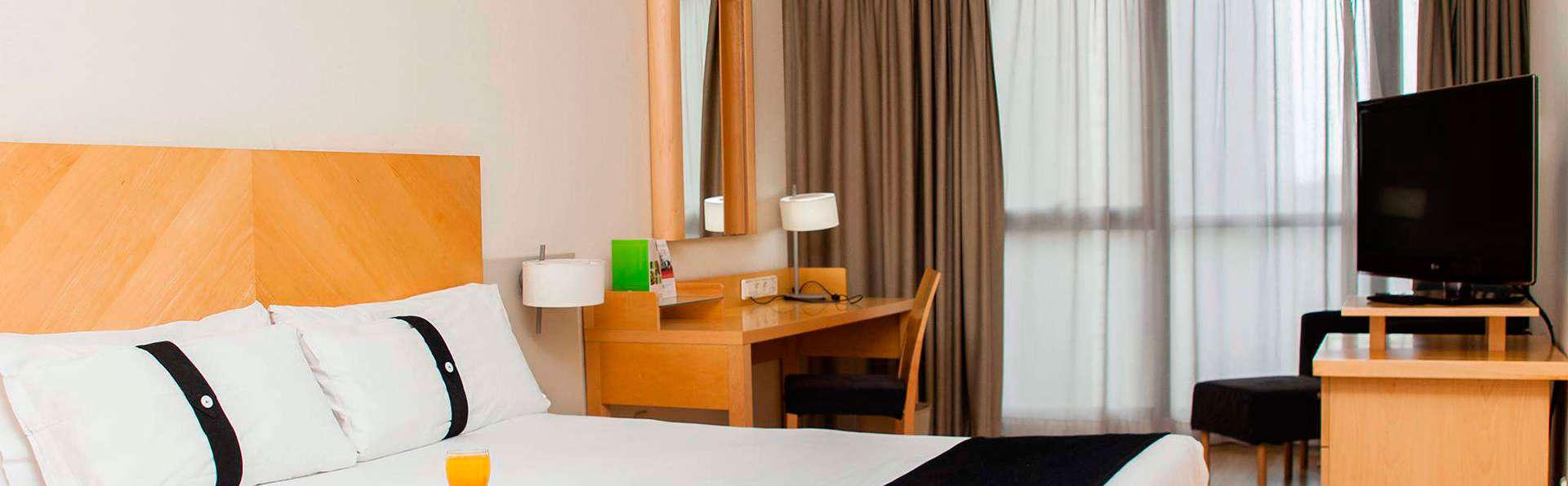 Hotel Alameda Plaza Valencia - EDIT_room3.jpg