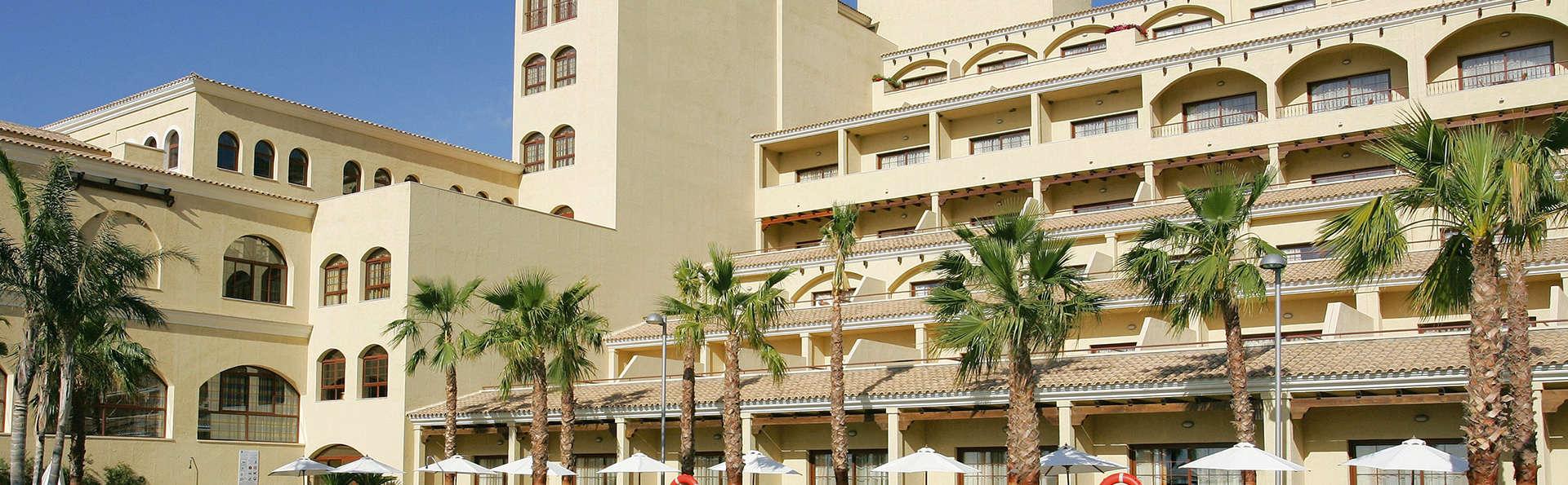Vincci Selección Envía Almería Wellness & Golf - edit_pool_facade.jpg