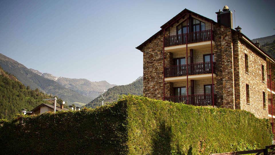 Hotel La Planada - EDIT_front.jpg
