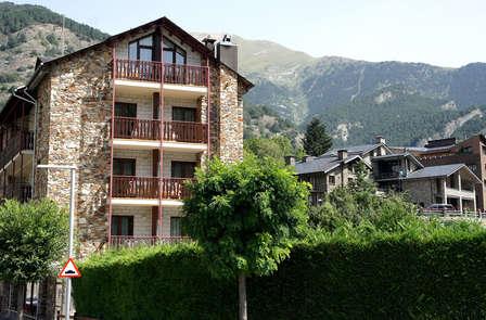 Escapada con media pensión y niño gratis a 15 minutos de Andorra La Vella (desde 2 noches)