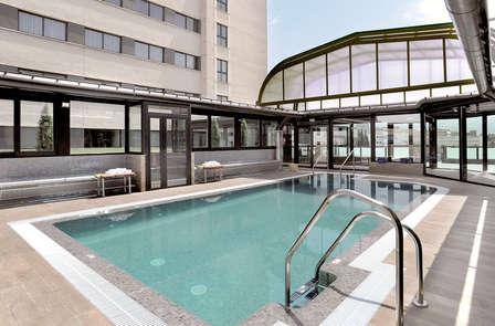 Escapad relax con piscina interior y descuento spa en el centro de Granada
