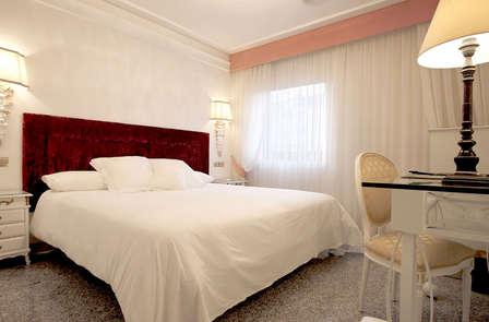 Escapada Romántica con bañera de hidromasaje en el centro de Salamanca
