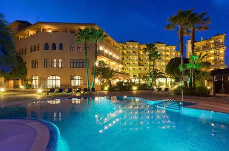 Escapada con cena, spa, welcome drink y parking incluido en Fuengirola