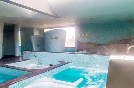 Escapada Spa: Circuito Spa, Flotación, Masaje, Cena, Cava y Bombones (desde 2 noches)