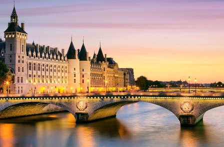 Offre spéciale: Week-end avec Love Box dans un hôtel romantique au cœur de Paris