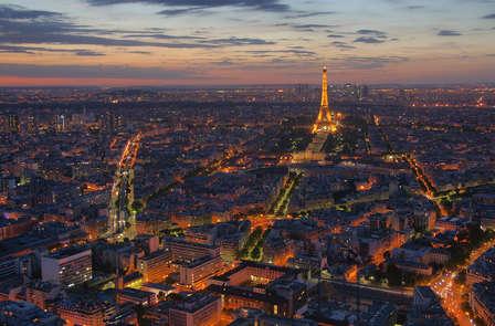 Vivez la plus belle vue de Paris du haut de la Tour Montparnasse lors d'un week-end à la capitale