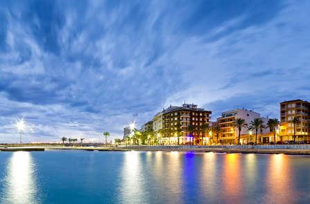 Oferta adultos: playa y pensión completa en Torrevieja (desde 2 noches)