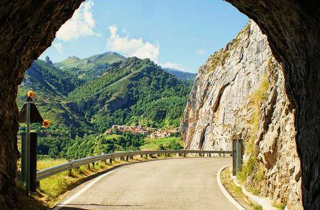 Cena y visita a bodega en Cantabria (desde 2 noches)