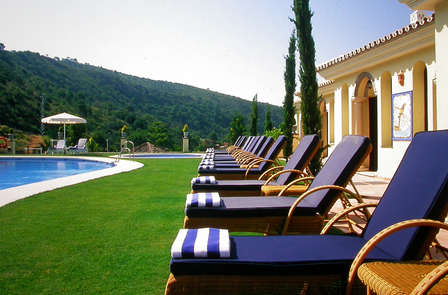 Evasión romántica con cena y spa al lado de Marbella