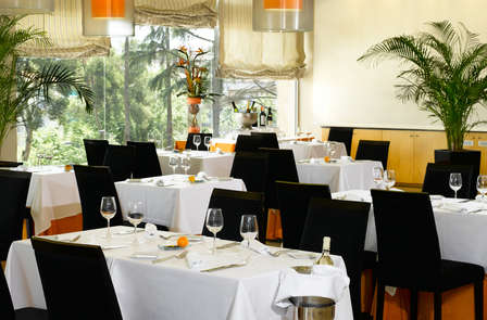 Luxe verblijf met cava en diner in de buurt van Barcelona