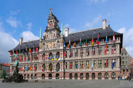 Romantische citytrip met flesje wijn en chocolade in Antwerpen