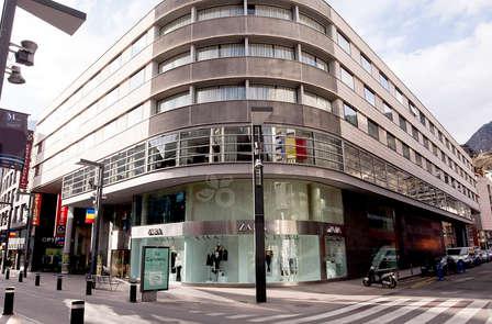 Rebajas en Andorra:  Escapada con spa en pleno centro comercial