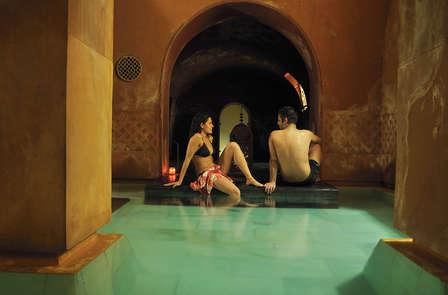 Escapada especial con entrada a los baños árabes en Madrid (desde 2 noches)
