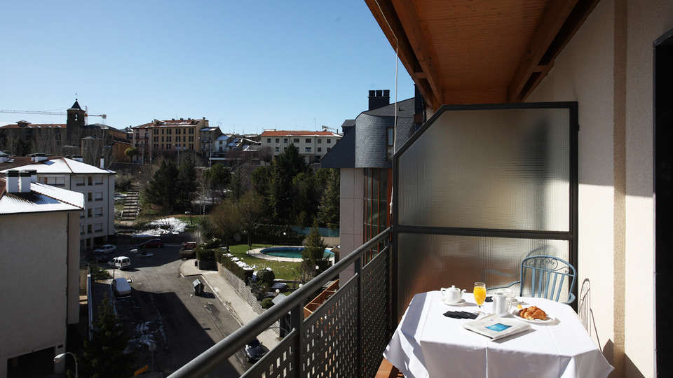 Hotel & Spa Real Jaca - edit_balcon.jpg