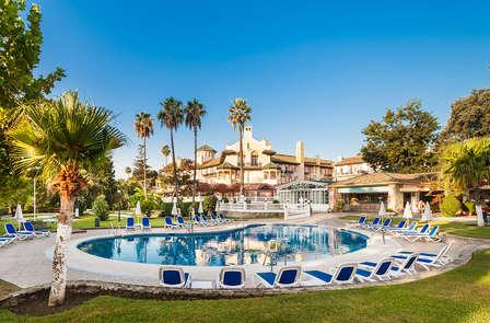 Escapada de lujo con zona relax y parking en Algeciras