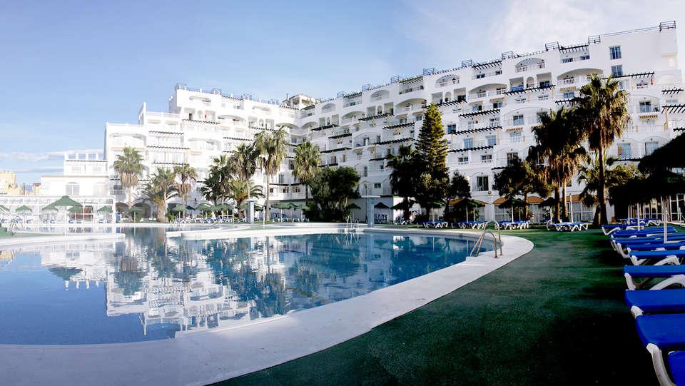 Hotel Bahía Serena - Edit_Pool5.jpg