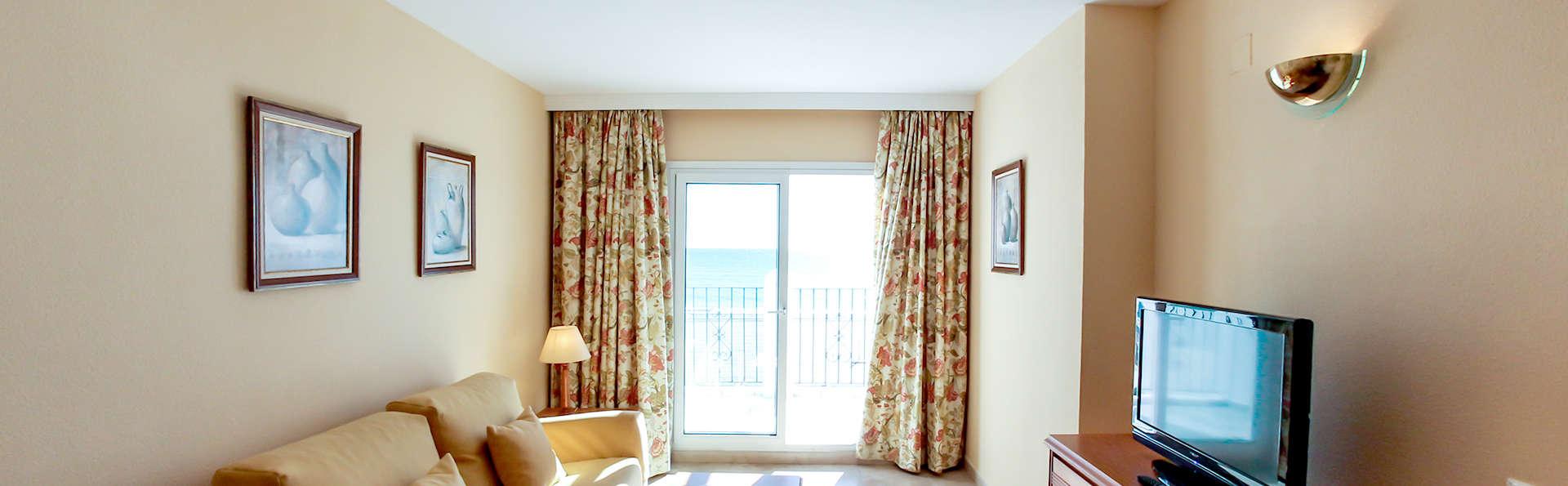 Hotel Bahía Serena - edit_Room2.jpg