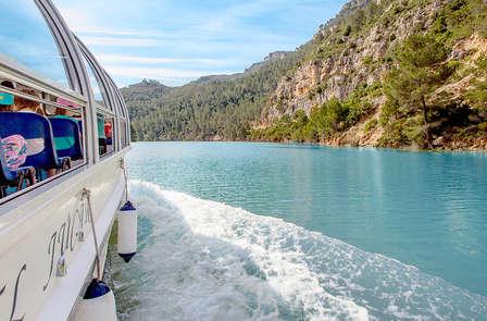 Escapada con paseo en barco, circuito termal y pensión completa en Cofrentes