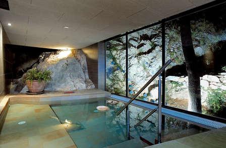 Escapada con cena y acceso a la Cueva Terma Activa en la naturaleza aragonesa (desde 2 noches)