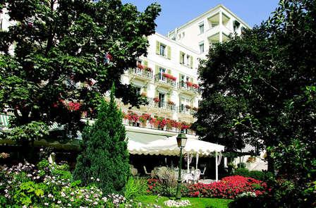 Séjour près du lac Léman, avec accès spa dans un hôtel Art Déco, à Divonne-les-Bains (2 nuits)