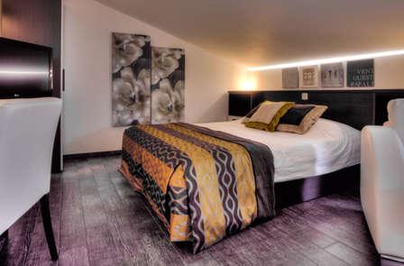 Romantisch weekendje in luxe suite met privéjacuzzi en fles wijn in La Louvière