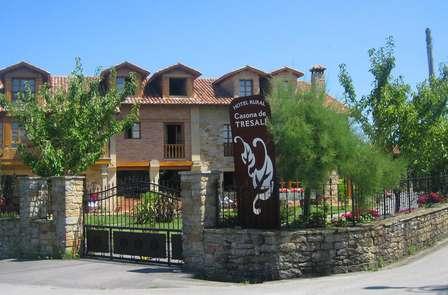 Escapada con Visita a la Sidrería el Gaitero y fábrica de quesos en Villaviciosa (desde 2 noches)