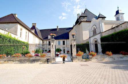 Offre spéciale Pâques: Gastronomie et accès spa, dans un château du Beaujolais