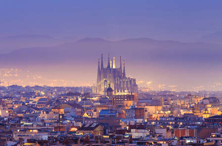 Descubre Barcelona y sus rincones mágicos con una cena de regalo