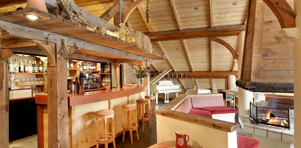 h tel alpen roc la clusaz h tel de charme la clusaz. Black Bedroom Furniture Sets. Home Design Ideas