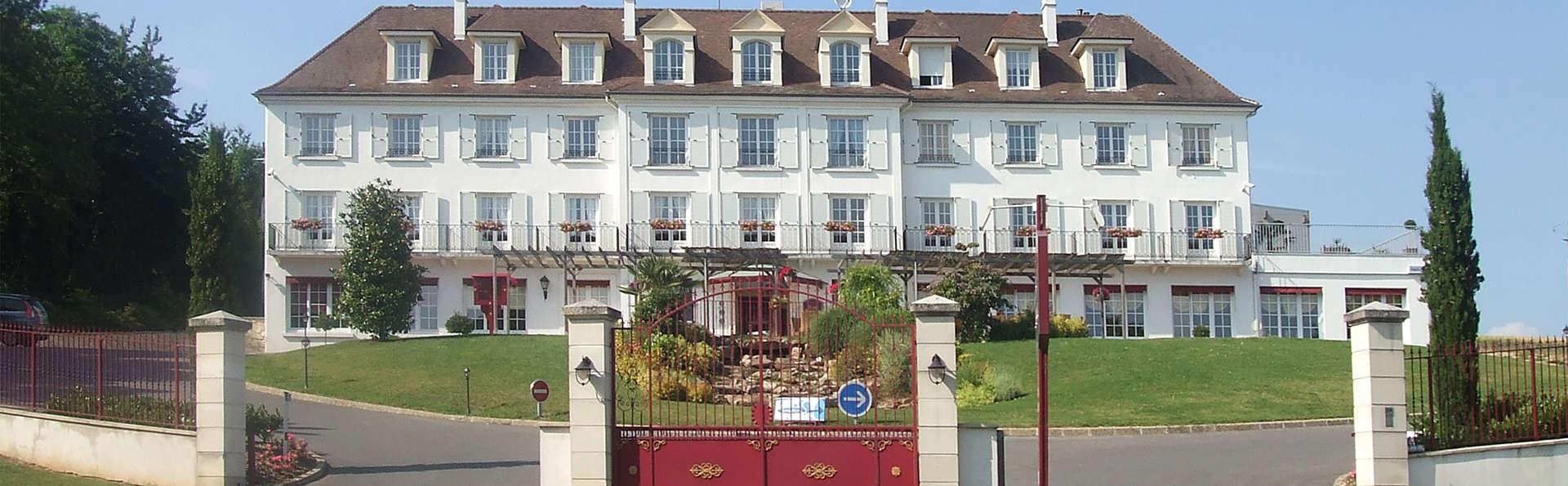 H tel ile de france h tel de charme ch teau thierry for Hotel jacuzzi ile de france