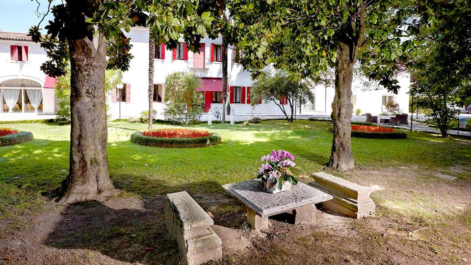 Villa Patriarca Hotel - Edit_garden4.jpg