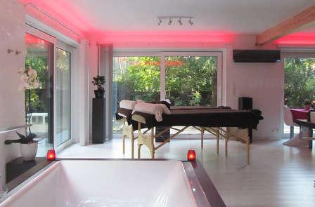 Valentijn special: genieten met een Duo massage en bijzondere overnachting met privé butler