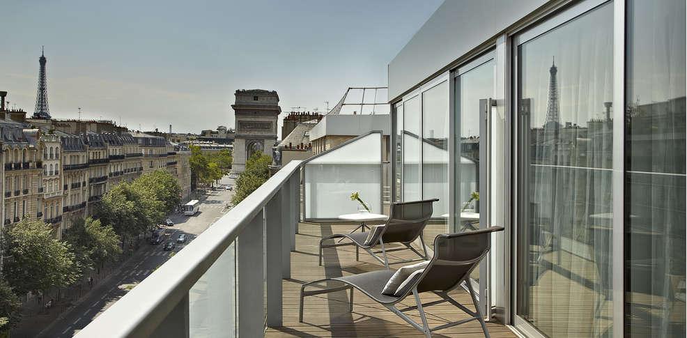 h tel renaissance arc de triomphe h tel de charme paris. Black Bedroom Furniture Sets. Home Design Ideas