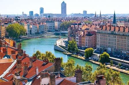 Offre Spéciale Toussaint: Découverte de la ville des lumières, à côté de Lyon (à partir de 2 nuits)