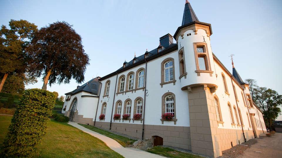 Château d'Urspelt - edit_facade.jpg