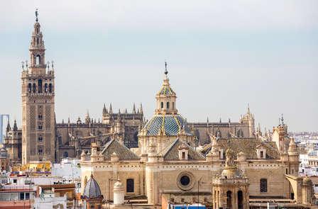 Escapada en Sevilla en una Casa del siglo XVIII