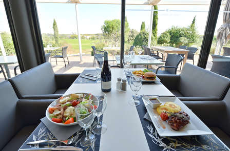 Dîner avec vue sur le Golf Resort Montpellier Fontcaude