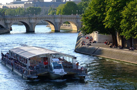 Parentesi di design e convivialità a Parigi con giro in barca sulla Senna
