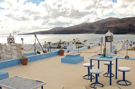Escapada a Lanzarote en un apartamento con terraza privada y vistas al mar