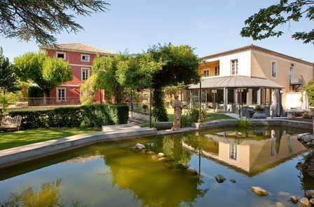 Escapade de charme dans un hôtel de luxe au cœur de la Drôme Provençale, près d'Orange