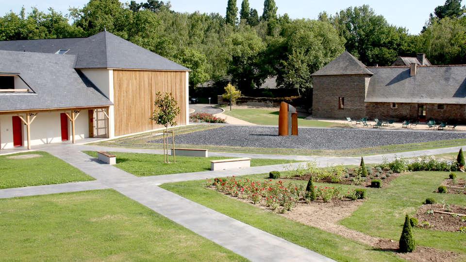 Hôtel Loire et Sens - Edit_Garden3.jpg
