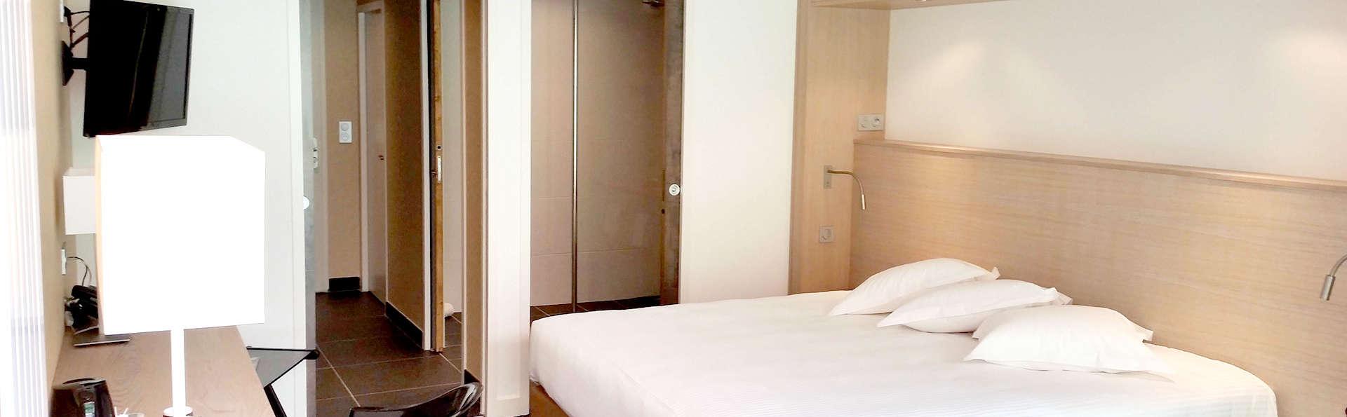 Hôtel Loire et Sens - Edit_Room3.jpg