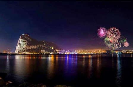 Especial fin de año: Noche vieja de lujo en Gibraltar con cena y fiesta