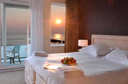 Romantisme, dîner et bien-être dans une suite avec vue sur la plage
