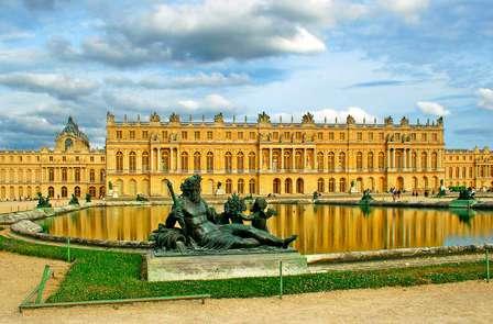 Descubre los encantos del Castillo de Versalles (desde 2 noches)