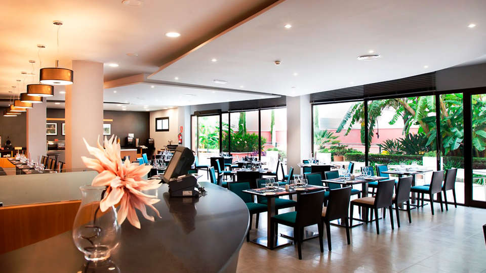 URH - Hilton Garden Inn Málaga - edit_restaurant82.jpg