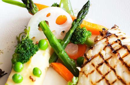 Mettez vos sens en éveil lors de ce dîner avec vue sur la baie de Saint-Malo.