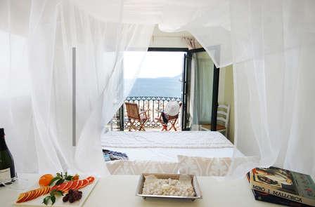 Escapada Romántica en Port Pollença: cena, relax, paseos en bici, kayak en una Suite