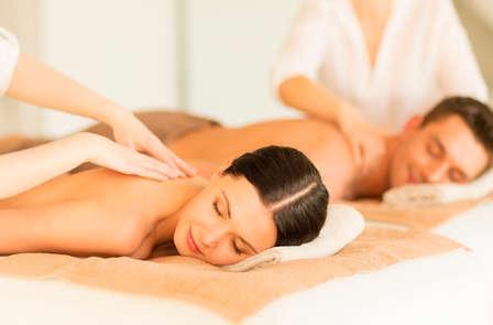 Escapada romántica y relax con masaje relajante en pareja en Cantabria