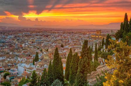 Disfruta de una noche de Tapas y Flamenco en Granada (desde dos noches)
